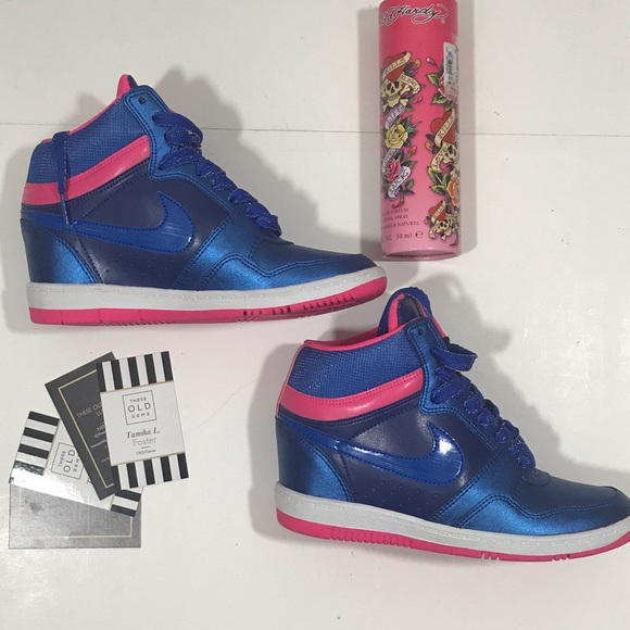 7aed18eea1d5 Nike Force Sky High Wedge Tennis Shoes. M 5bf37550a31c33e7fe28fb64